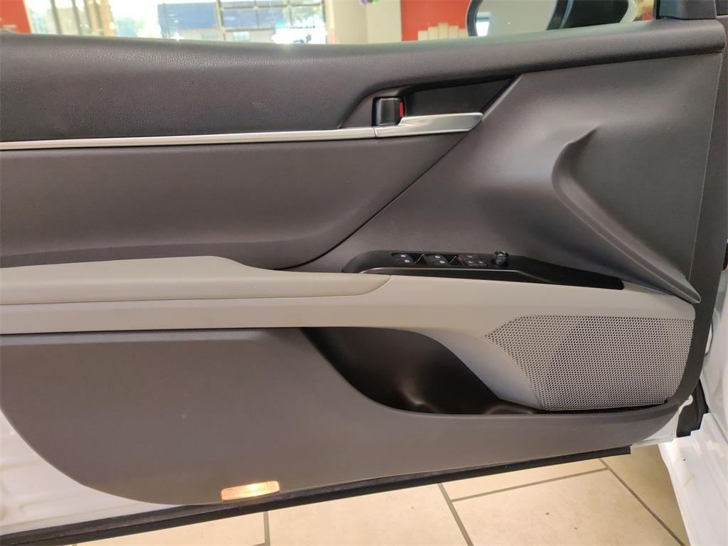 Used 2019 Toyota Camry SE   Sandy Springs, GA