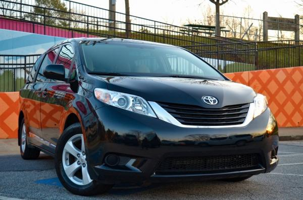 Used 2017 Toyota Sienna LE for sale Sold at Gravity Autos in Roswell GA 30076 2