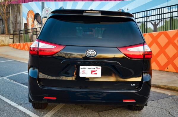 Used 2017 Toyota Sienna LE for sale Sold at Gravity Autos in Roswell GA 30076 4