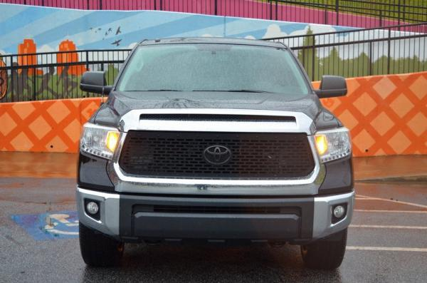 Used 2015 Toyota Tundra SR5 for sale $28,985 at Gravity Autos in Roswell GA 30076 3