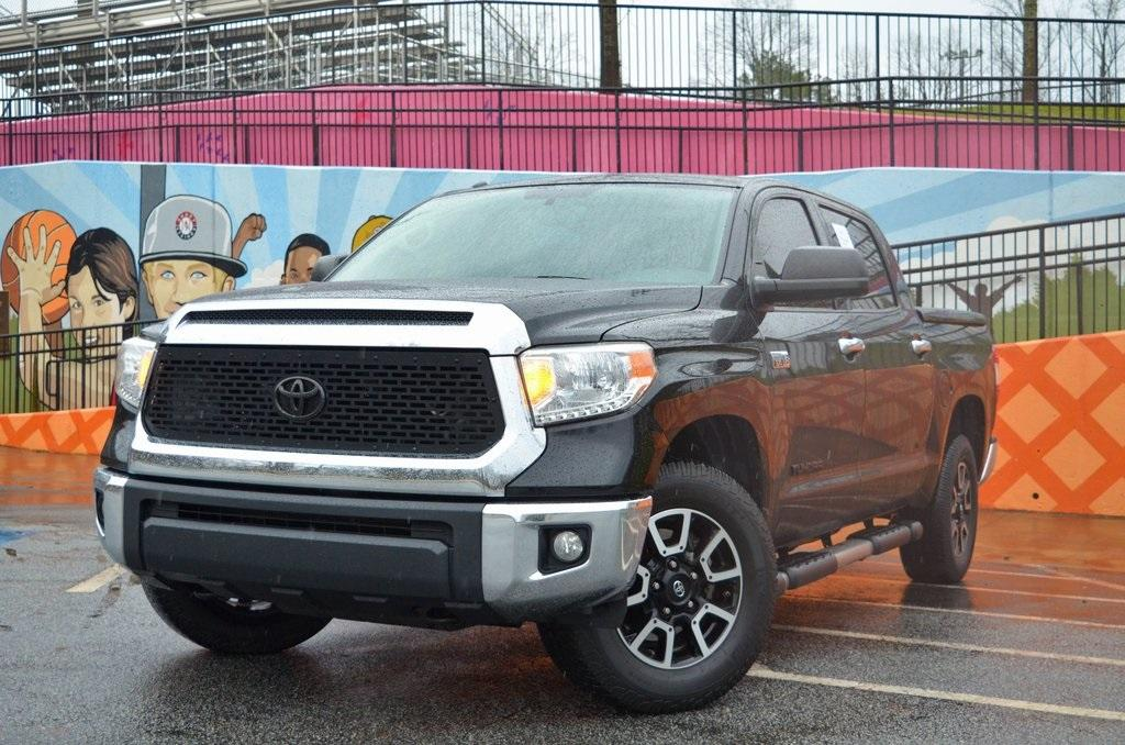 Used 2015 Toyota Tundra SR5 for sale $28,985 at Gravity Autos in Roswell GA 30076 1