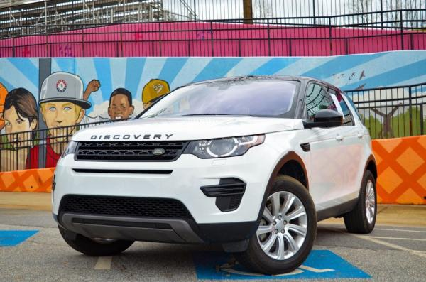 Used 2019 Land Rover Discovery Sport SE for sale $30,985 at Gravity Autos in Roswell GA 30076 1