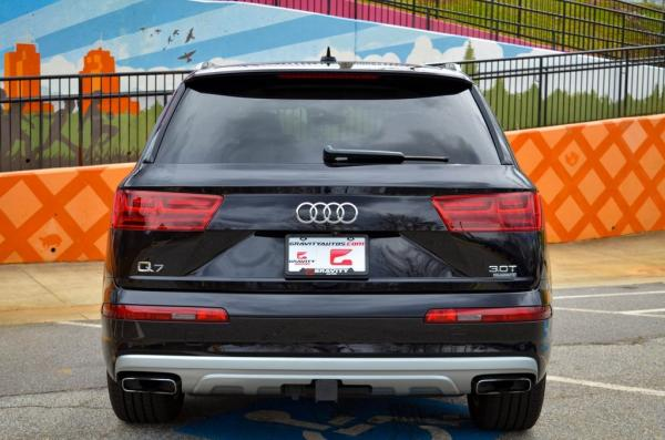 Used 2017 Audi Q7 3.0T Prestige for sale $38,981 at Gravity Autos in Roswell GA 30076 4