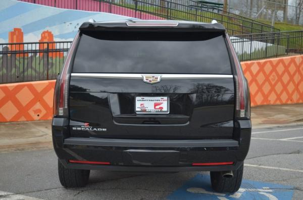 Used 2017 Cadillac Escalade Luxury for sale $44,985 at Gravity Autos in Roswell GA 30076 4