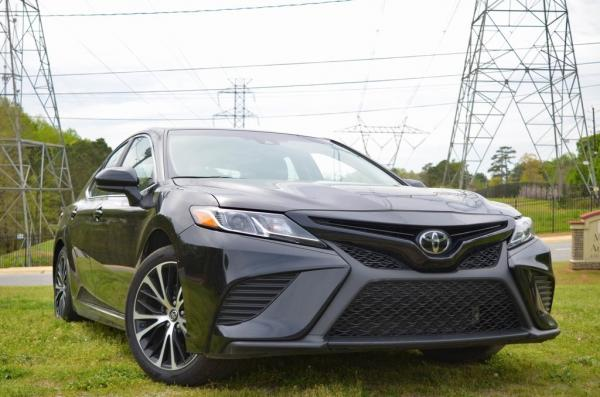 Used 2019 Toyota Camry SE for sale $19,985 at Gravity Autos in Roswell GA 30076 2