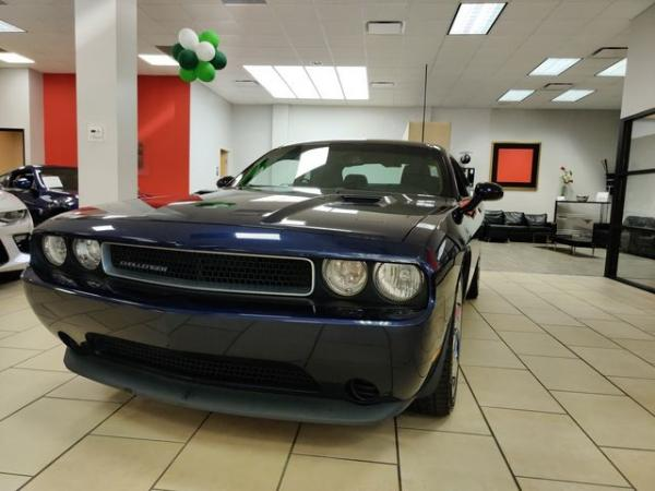 Used 2013 Dodge Challenger SXT for sale $12,985 at Gravity Autos in Roswell GA 30076 1