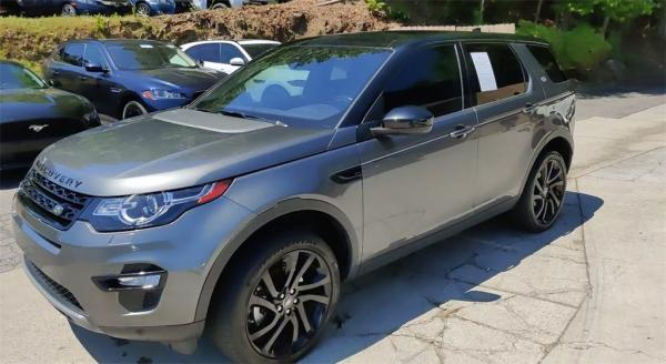 Used 2017 Land Rover Discovery Sport HSE for sale $23,895 at Gravity Autos in Roswell GA 30076 4