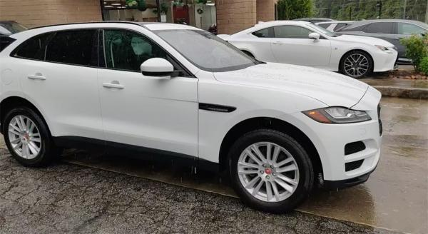 Used 2017 Jaguar F-PACE 35t Prestige for sale $30,885 at Gravity Autos in Roswell GA 30076 2