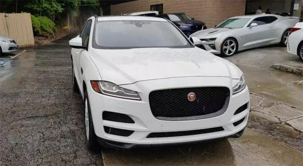 Used 2017 Jaguar F-PACE 35t Prestige for sale $30,885 at Gravity Autos in Roswell GA 30076 3