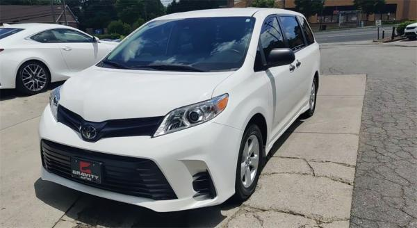 Used 2019 Toyota Sienna L for sale $25,985 at Gravity Autos in Roswell GA 30076 4