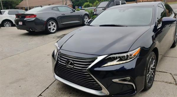 Used 2017 Lexus ES 350 for sale Sold at Gravity Autos in Roswell GA 30076 4
