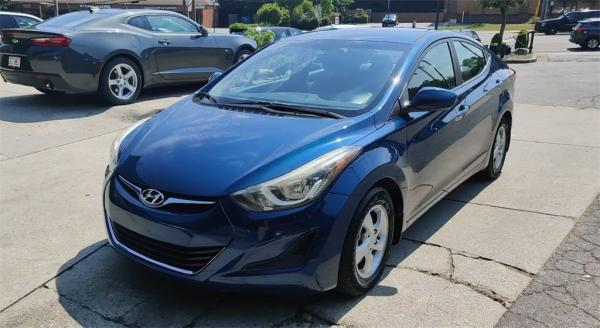 Used 2015 Hyundai Elantra SE for sale $9,395 at Gravity Autos in Roswell GA 30076 4